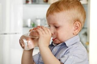 Как избавиться от длительного влажного кашля у ребенка