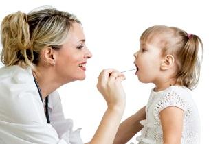 Лечим ангину у детей с помощью спрея