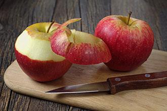 Чищеные яблока