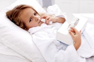 Медикаментозное лечение насморка при чихании у детей